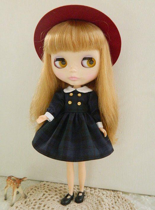1 : 6 Scale Blythe, pullip, Azone English Style School Girl Dark Green Checks Dress | Doll Apparel | Doll Fashion | Doll Dress Blythe Dark Green Checks checks dress. Long sleeves,white round collars,