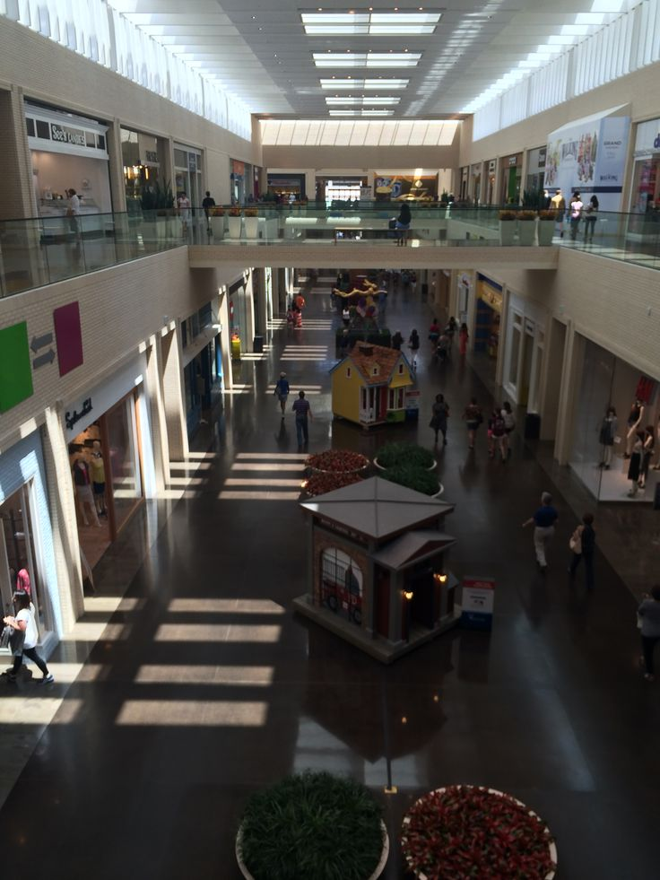 All Of These Playhouses Were Being Raffled Off In Northparkcenter