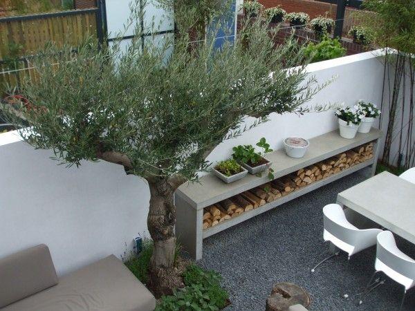 Optie muur rechts met wegwerking stopcontact, kraan en tuinslang