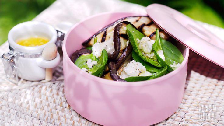 Sałatka z bakłażanem, szpinakiem i serem feta