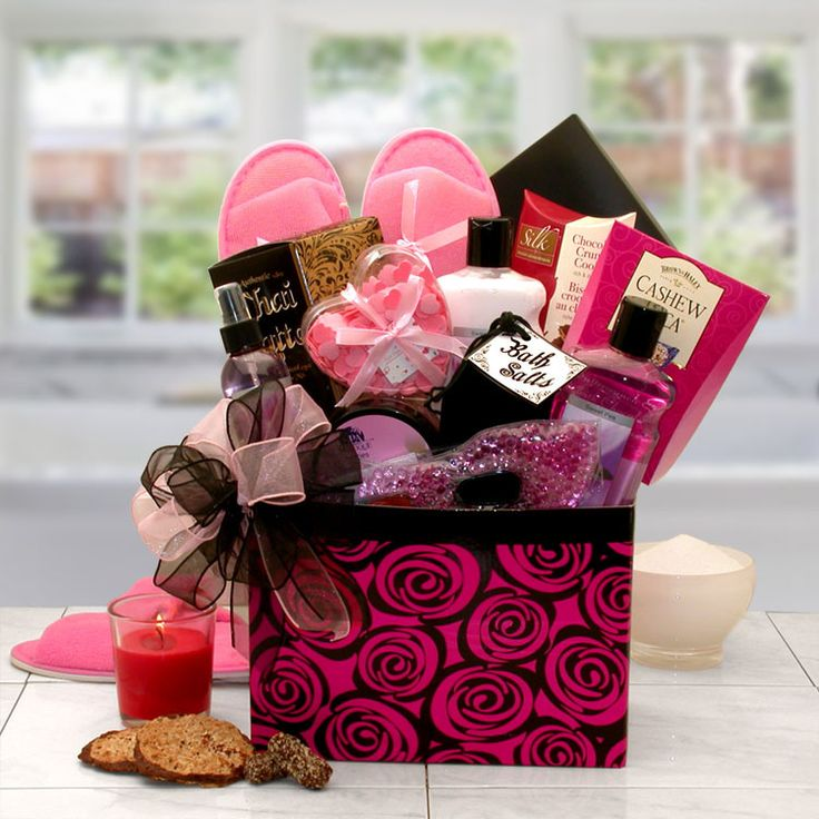 Soak the day away surrounded with the sweet scent of Sweet pea. This beautiful gift box is designed to pamper and rejuvenate the body and soul presented in a keepsake floral gift box perfect for stori