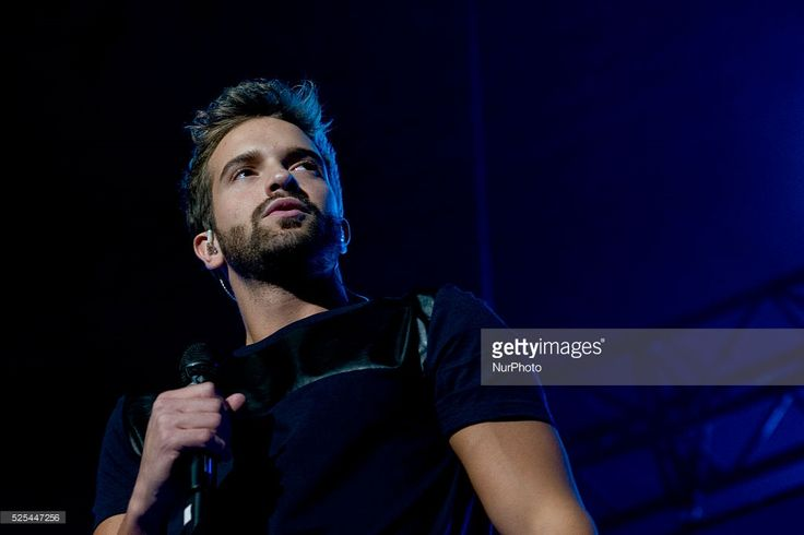 Pablo Alboran performs at the 'Cadena 100 Por Ellas' concert at the Barclaycard Center on November 7, 2014 in Madrid, Spain. Photo: Oscar Gonzalez/NurPhoto