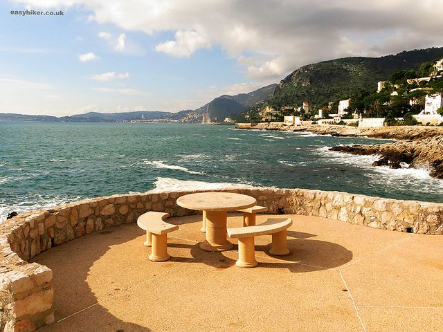 Picnic table with a view on the Cap d'Ail trail on the French Riviera winter walk