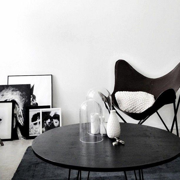 Achromatic: colorless scheme using blacks, whites, and grays.