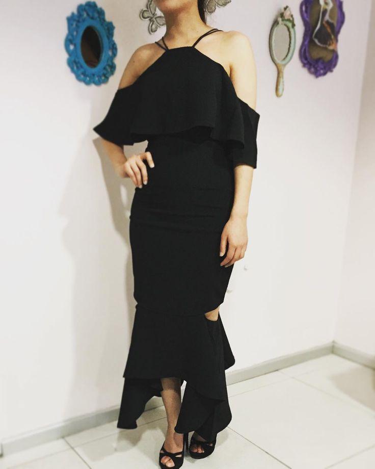 #tarz #modern #moda #still #elbiseler #modelller #kombinler #siyah #volanlıelbise #kokteylelbisesi #düğün #davet #nişan #elbiseleri #geceelbisesi #yenisezon http://turkrazzi.com/ipost/1523405896641598516/?code=BUkOZd2DtQ0