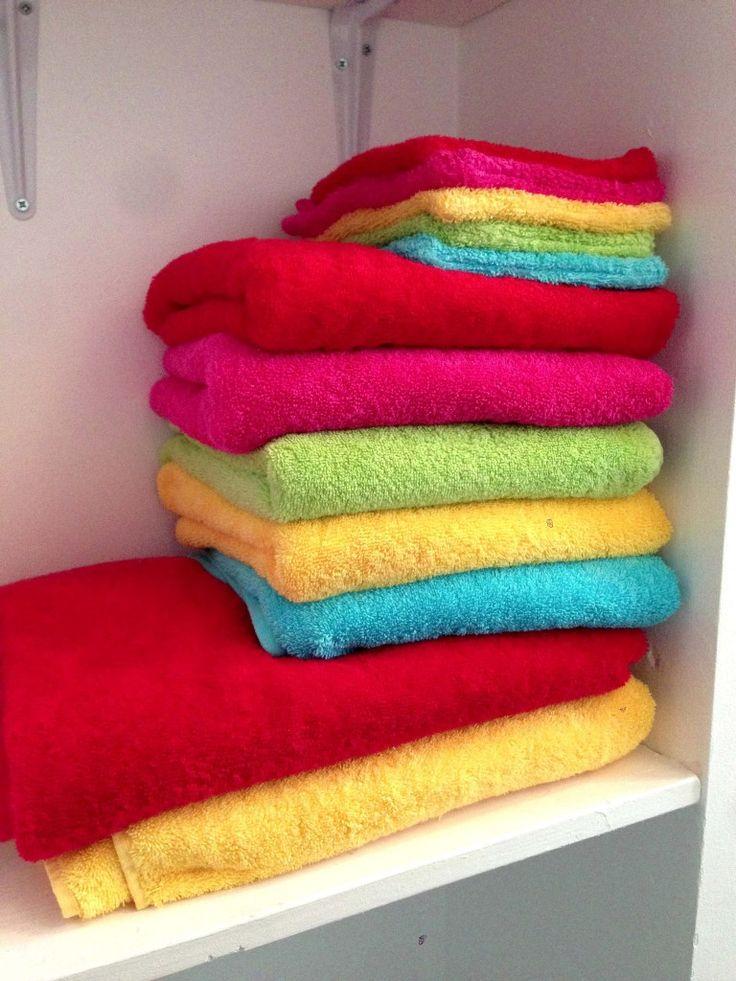 Rainbow bathroom chez Marjoliemaman : serviettes La belle toilette