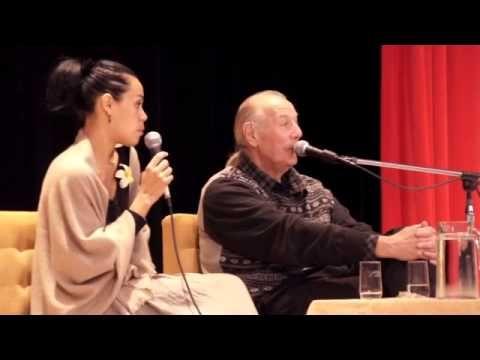 Jaroslav Dušek uvádza prednášku Henriho Monforta - Vesmírna energia - strava budúcnosti - YouTube