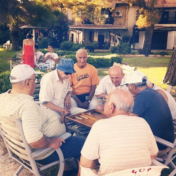 Friendly backgammon tournament;        online backgammon > on.fb.me/1869cF3