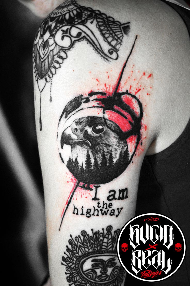 Halcón para Melina Nair Cura Benavente Diseño personalizado en el estudio Sucio X Real Tatuajes (Gualeguaychú)  #Tattoo #Tatuaje #Halcón #Falcon #Gualeguayhcú #Argentina