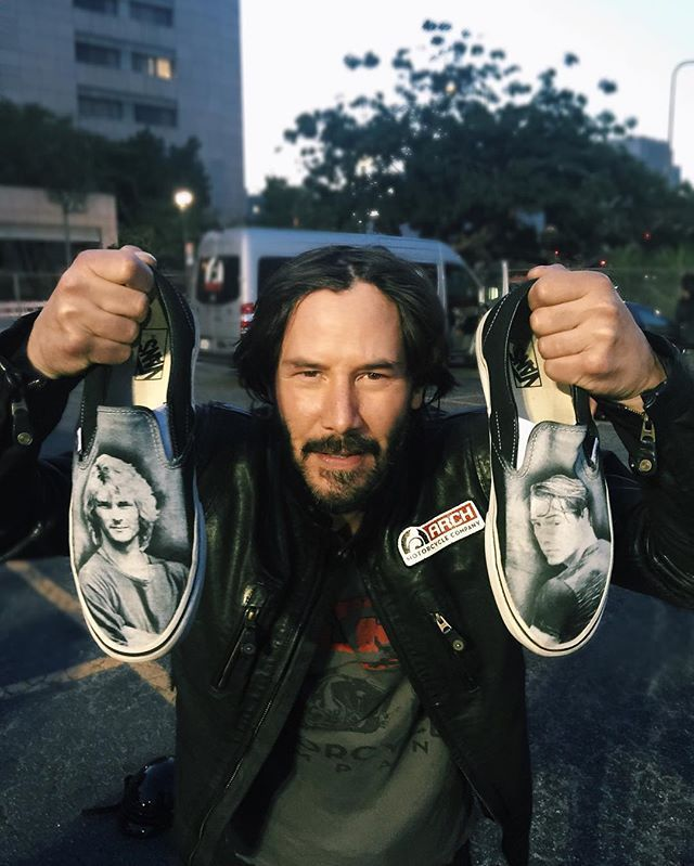 Many thanks to dave_castillo fpr sharing a photo on websta. The photo is from Thursday, May 26. Keanu is holding up Dave's Point Break shoes. (712 views)