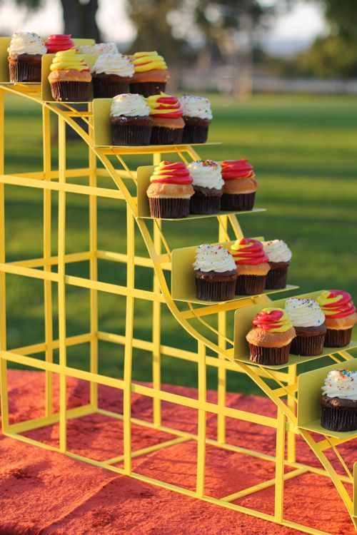 Roller Coaster 4 - cake and cupcake stands