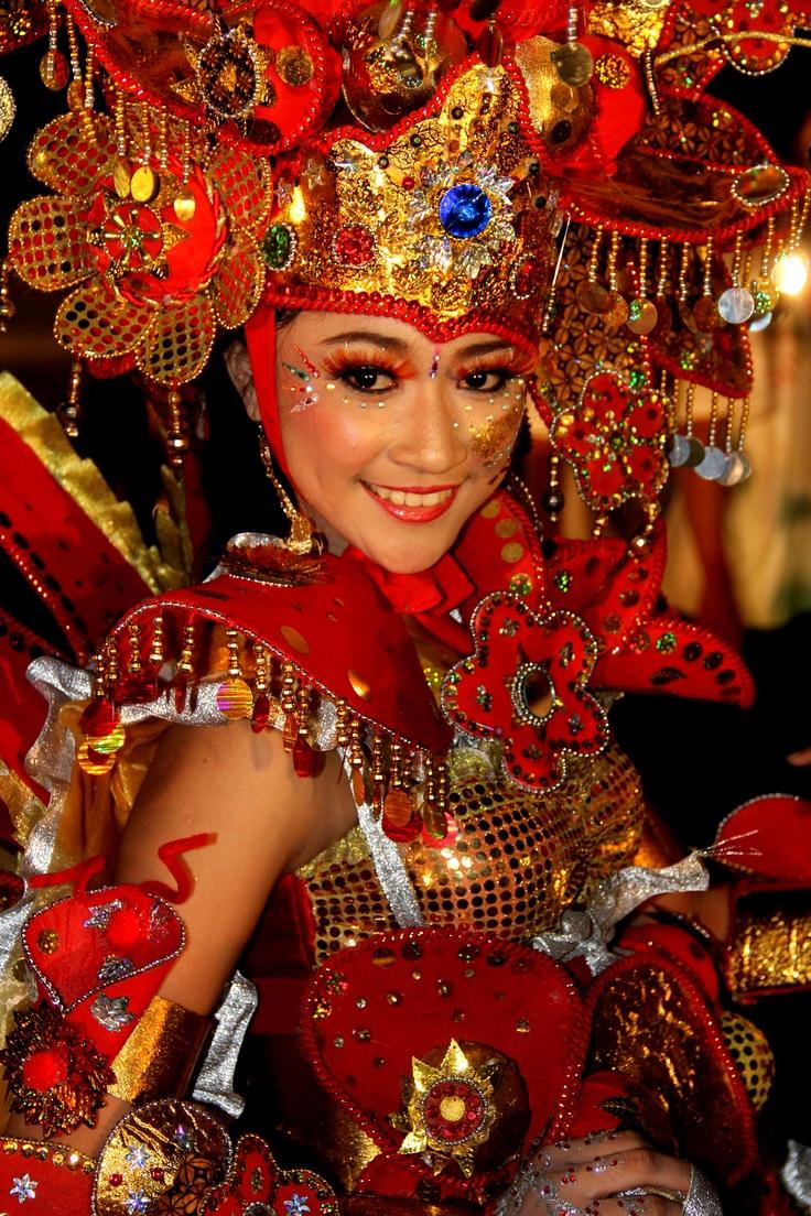 Yustika Savin Naika - Solo Batik Carnival Participant | *Batik ...