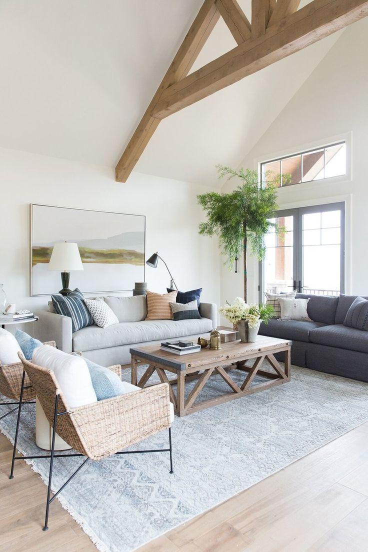 Stimmungsvolles, strukturiertes, rustikal inspiriertes Wohnzimmer in Berghaus in Utah – Studio