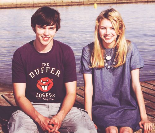 tony and cassie from skins. They're so cute.