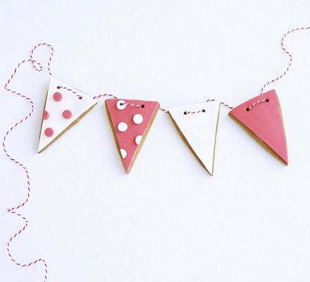 Bunting biscuits, how fun is that!
