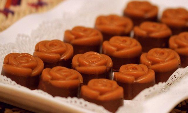حلي وردات الجوري بوصفات مختلفة Desserts Food Pudding