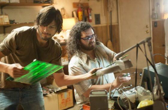 Theatrical trailer for Jobs starring Ashton Kutcher as Steve Jobs