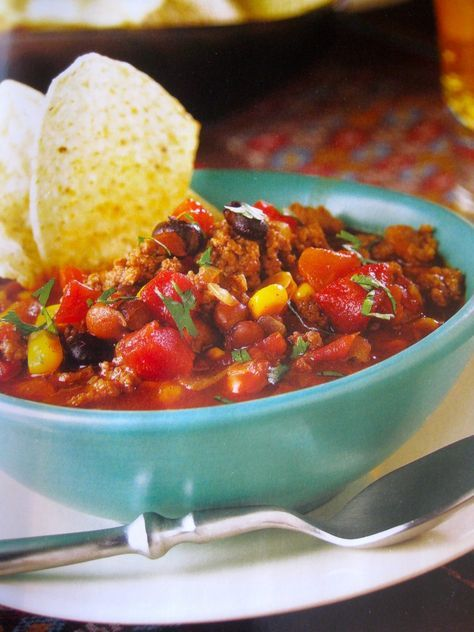 Recipe For Taco Soup I - In a large saucepan over medium heat, cook ground beef and onion until meat is evenly brown; drain excess fat. Mix in water, tomatoes, kidney beans, tomato sauce, and taco seasoning mix. Cover, and simmer for 15 minutes. Remove from heat, and stir in the