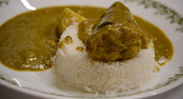 Parsi Green Chicken Curry