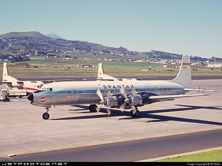 DC-6 de SPANTAX en el Aeropuerto de Santa Cruz De La Palma (SPC