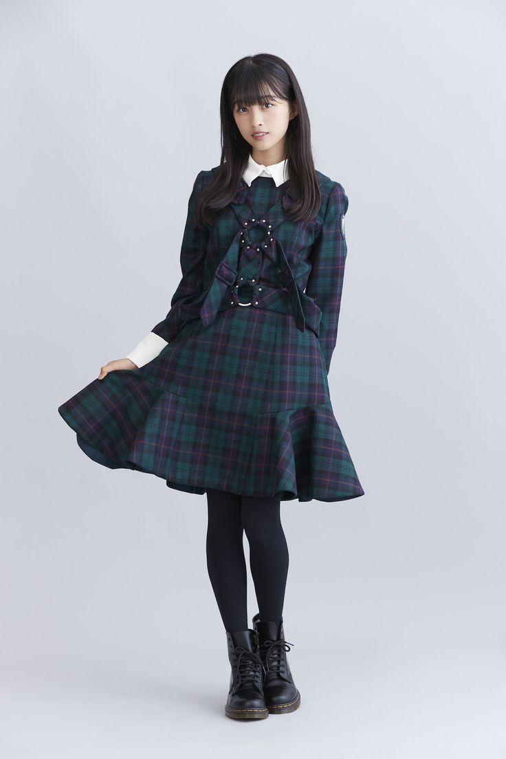 欅坂46から小林由依と原田葵が登場。笑顔弾ける&激しいダンスも必見のMVも話題の新曲「風に吹かれても」   【es】エンタメステーション
