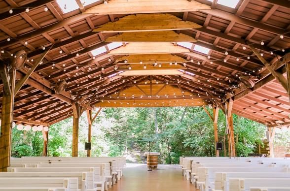 Haseltine Estate is honored to be in this feature from The Venue Report about the BEST wedding venues in Missouri!