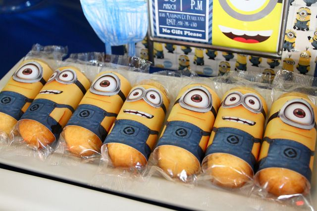 Twinkies dressed up as Minions at a Despicable Me birthday party!  See more party ideas at CatchMyParty.com!
