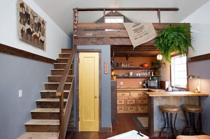 Schau Dir dieses großartige Inserat bei Airbnb an: The Rustic Modern Tiny House - Häuser zur Miete in Portland