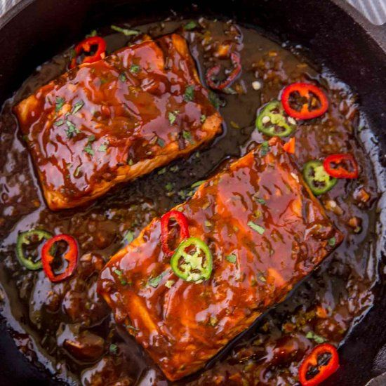 Cooked in a thick sweet and smoky bbq sauce topped with sliced chili peppers. Full of spicy, sweet and savory flavors for just 2 WW points.