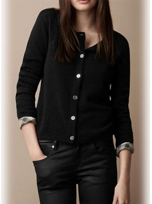 black round neck long sleeve knitted sweater