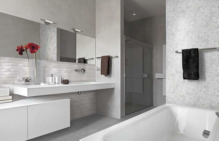 Grijze Wasbak Badkamer : Badkamer met mooie grote tegels voor een ...