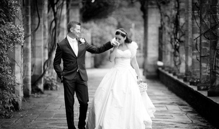 """Dicas para o """"START"""" do planejamento do seu grande dia. A maioria das mulheres sempre sonha com este momento: o casamento! Algumas um pouco mais românticas, outras mais criativas, porém todas, sonhadoras. Para que seu casamento saia como sempre sonhou, montamos algumas perguntas para vocês responderem juntos: QUAL O PERFIL DO EVENTO? É preciso […]"""