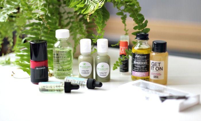 a beautiful world beauty box review  #bbloggers #naturalbeauty #organic #abeautifulworld #beauty #skincare  http://www.honeygolightly.com/2015/11/a-beautiful-world-aw-beauty-box-review.html
