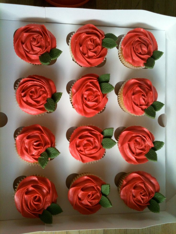 How to frost a Red Rose cupcake!