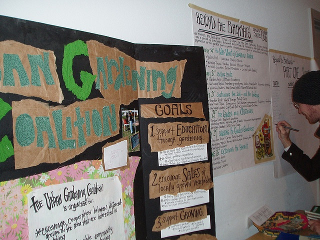 i want a tri fold poster board like this about growing reminds me of