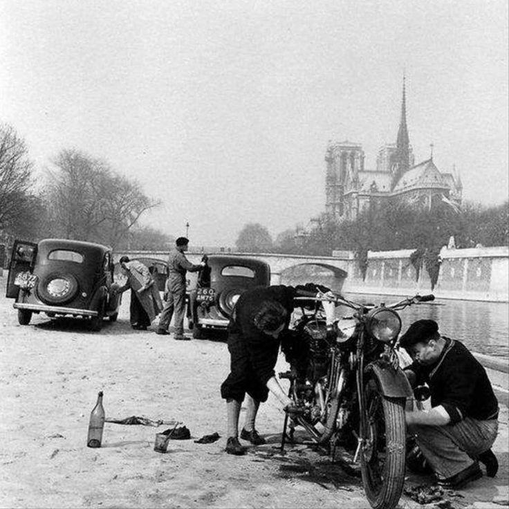 | Quoi de la Tournelle -Paris 1953 by Robert Doisneau