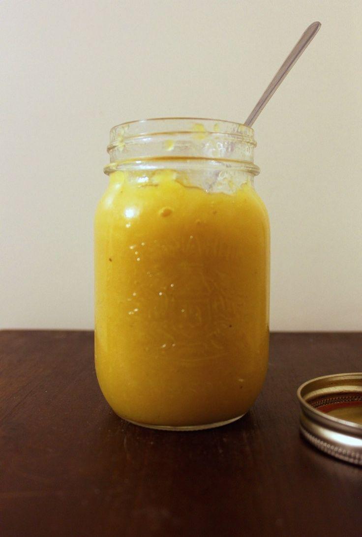 Mon chum a fait cette confiture l'autre jour et j'en ai raffolé. J'adore le mariage des saveurs ananas, mangue, girofle, vanille, miel. C'est doux, exotique et simplement dé…