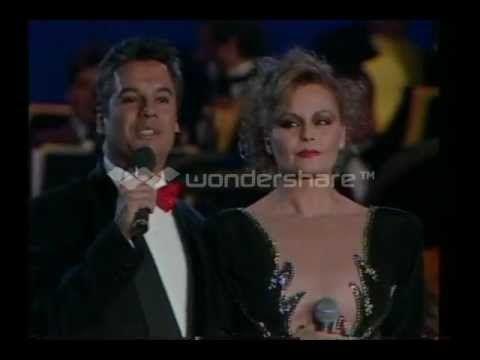 12 - No Me Vuelvo a Enamorar [En Vivo] - Rocío Dúrcal & Juan Gabriel - E...