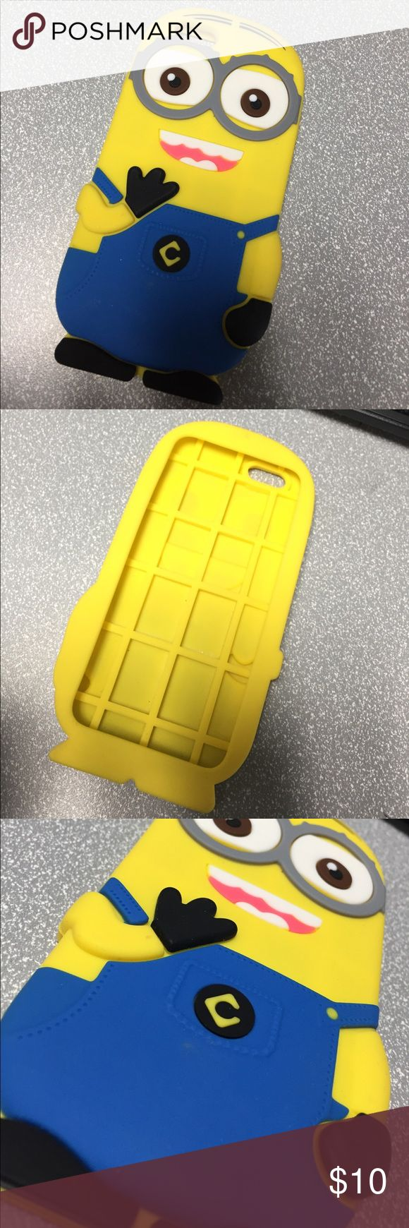 IPhone 6 Minion Phone Case Used once, like very new! Super cute Minion Accessories Phone Cases