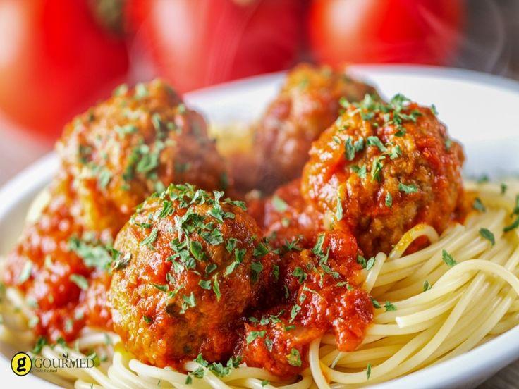 Κεφτεδάκια με σπαγγέτι και σάλτσα ντομάτας - gourmed.gr