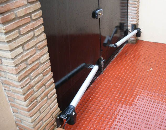 M s de 1000 ideas sobre puertas de garaje en pinterest - Motores electricos para puertas correderas ...