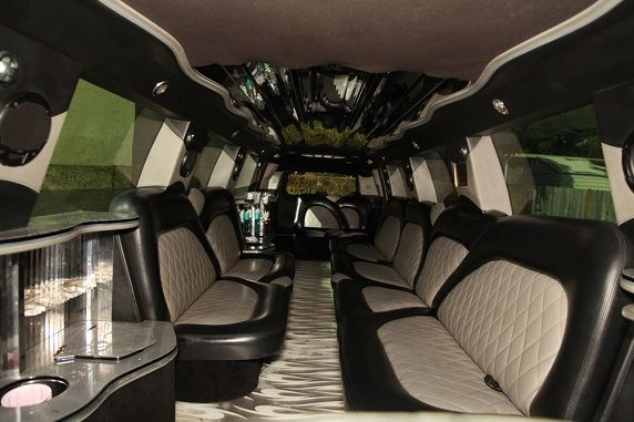 Super Stretch H-2 Hummer - Epic Limousine Services
