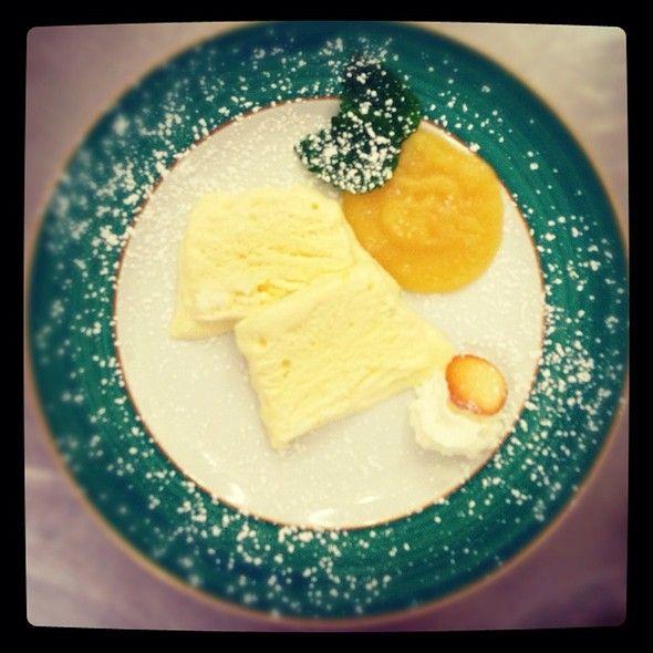 Semifreddo Al Miele Su Mousse Di Mela Golden @ Hotel Bel Soggiorno