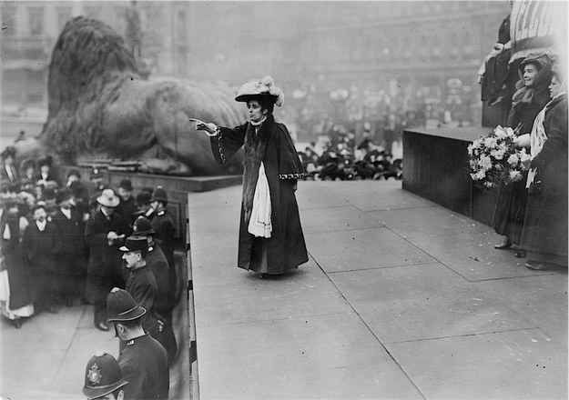 1908: Jennie Baines addressing a mass rally of Suffragettes at Trafalgar Square, London.