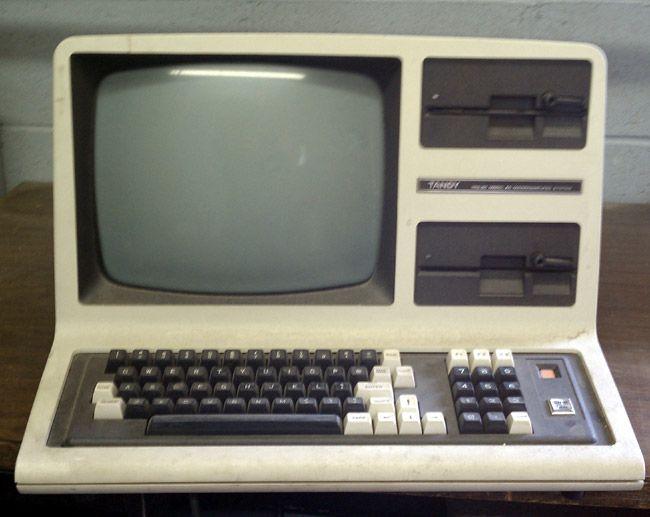 Radio Shack TRS-80 computer: Remember This, Retro Fun, Blast, Entir Schools, Remember Computers, Rememberthi Tripdownmemorylan, Schools Work, Radios Shack, Retro Tech