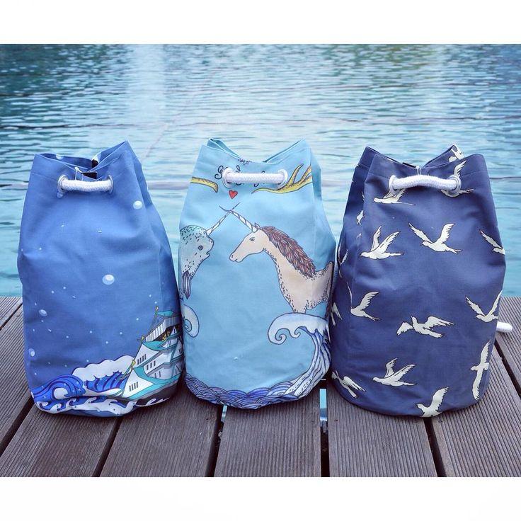 Pool party 🌊  water inspired unique pattern bucket bag szputnyik blue pool beach backpack unicorn