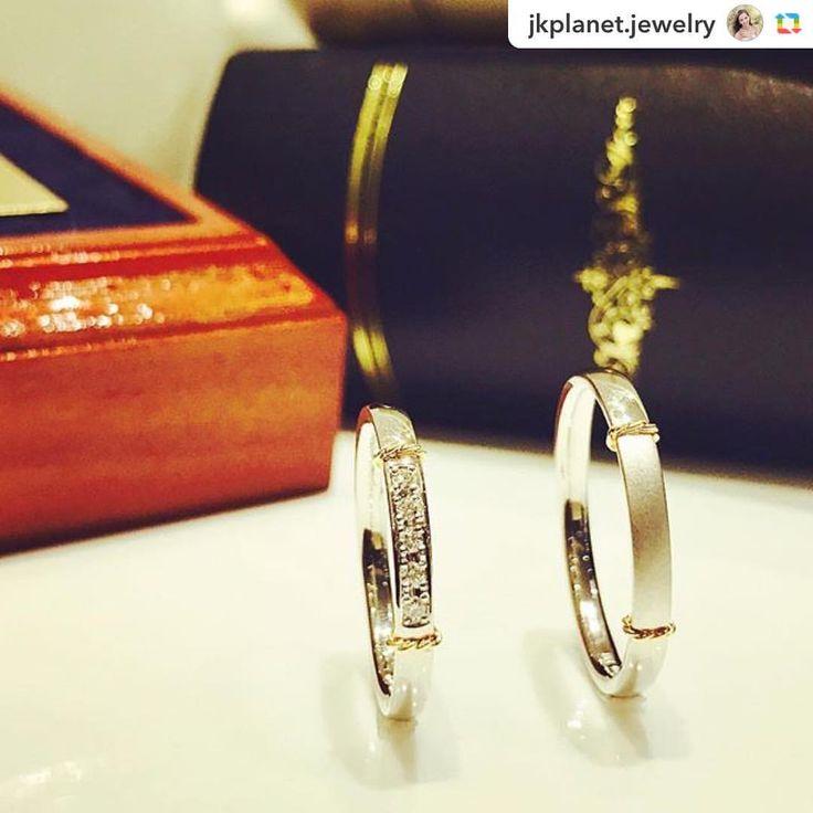 """@jkplanet.jewelry:RosettE-ロゼット- """"支え合うこと、信じ合うこと、ふたりで築きあげた堅い堅いきずな"""" プラチナにゴールドのアクセントがオシャレな『橋』をモチーフにしたマリッジリングです💎 . @jkplanet.jewelry 全店にてお取り扱い。 ⇩ #JKPlanet SHOP LIST⇩ 銀座・表参道・福岡天神・鹿児島・宮崎 . #JKプラネット #結婚指輪のセレクトショップ #ロゼット #結婚指輪 #マリッジリング #ウェディング #マリッジ #ブライダル #ブライダルリング #リング #結婚準備 #プレ花嫁 #ジュエリーショップ #東京 #表参道 #原宿 #銀座 #福岡 #天神 #鹿児島 #宮崎 #結婚指輪💍 #weddingring #jewelry#tokyo #ginza #omotesando #harajuku"""