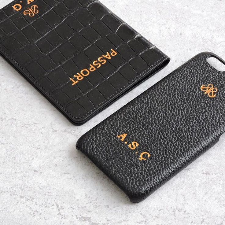 Functional leather accessories  #serapaktugleathergoods #passportcovers #iphonecase #iphonekilif #kisiyeozel #harfbaski #pasaportkilifi #iphonecover #initial #personalize #customize #black #leather #accessories