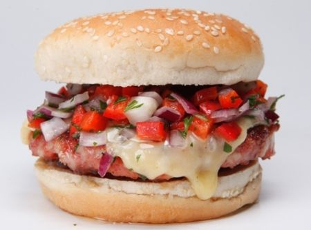 Hambúrguer de Linguiça - Veja como fazer em: http://cybercook.com.br/receita-de-hamburguer-de-linguica-r-13-111664.html?pinterest-rec