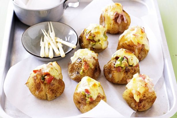 Mini jacket potatoes recipe mini jacket potatoes for Jacket potato fillings mushroom